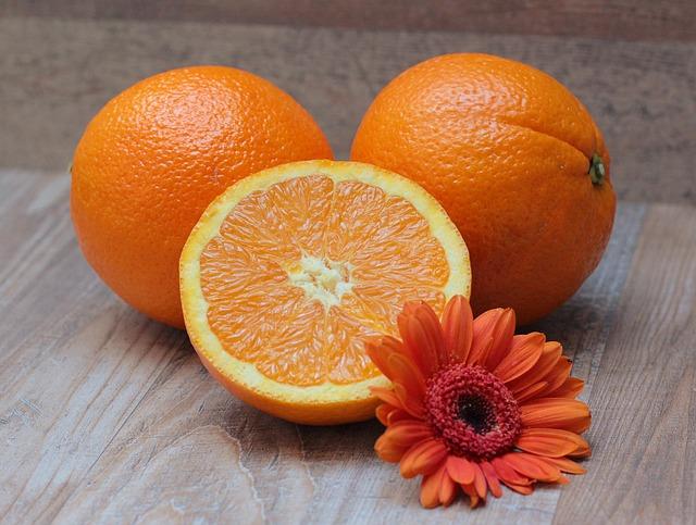 pomeranče a květina.jpg