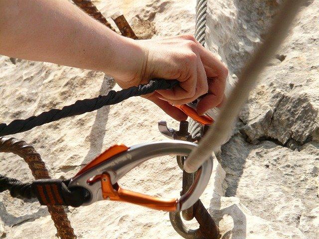 karabina na laně