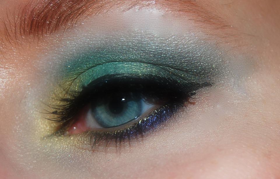 makeup-402533_960_720